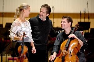 James Horner with Mari and Håkon Samuelsen